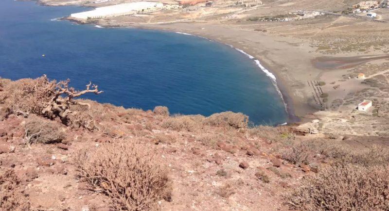 playa tejita montaña roja medano